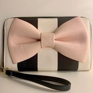 Betsey Johnson Pink Bow Wristlet Wallet!